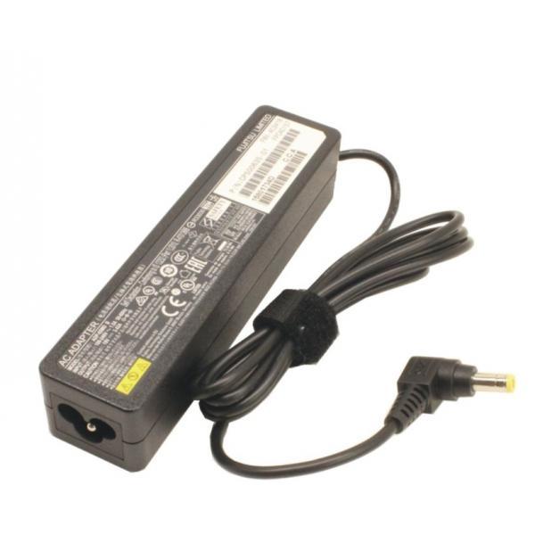 FUJITSU 3pin AC Adapter 19V/65W slim and light